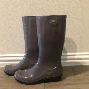 Ugg Woman's Rain boots.
